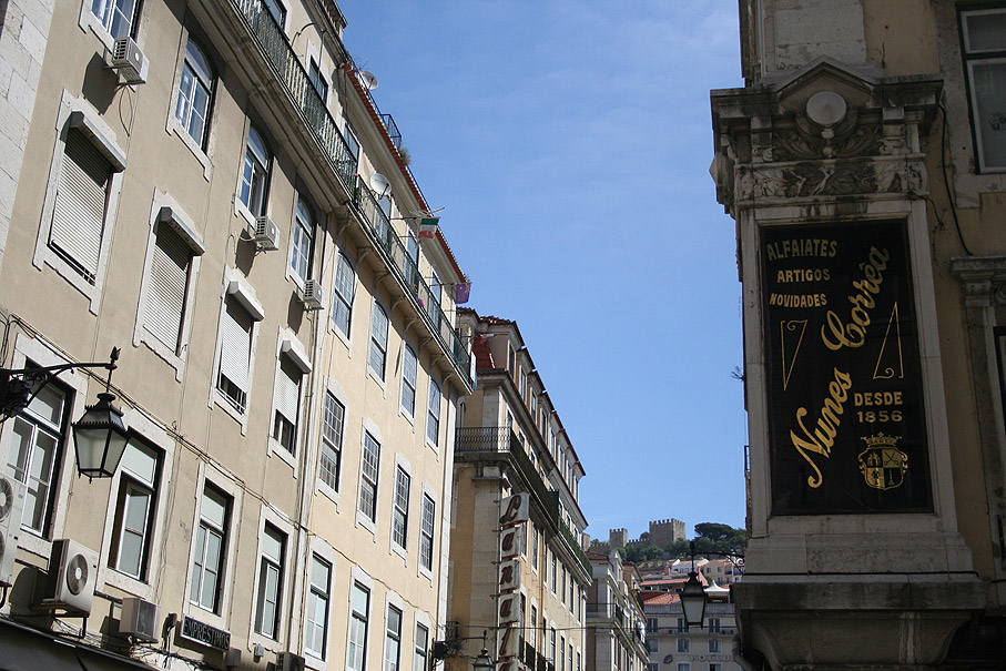 Fotografia Vista do Castelo de São Jorge da Rua de Santa Justa, Baixa Lisboa