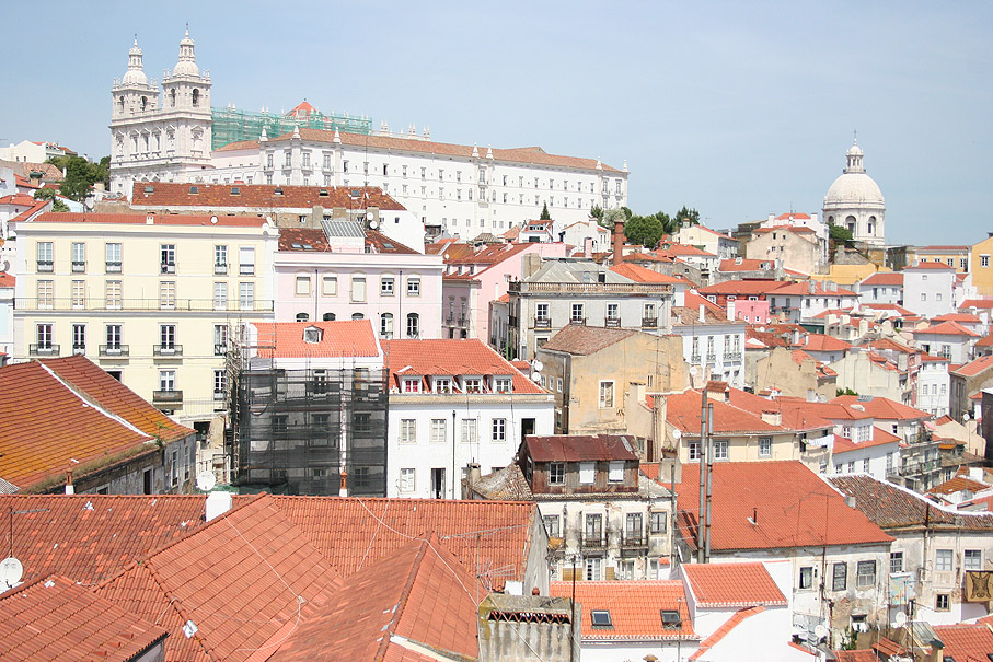 Fotografia Mosteiro de São Vicente de Fora desde o Miradouro das Portas do Sol, Lisboa
