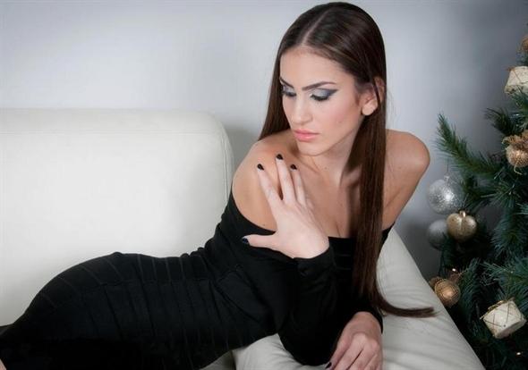 Modelo Arabe, Mulher da Palestina - Huda Naccache