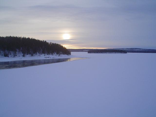 Paisagem da Suécia no Inverno - Viajar de carro pela Europa