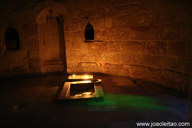 Interior da Capela da Ascensao de Jesus em Jerusalem