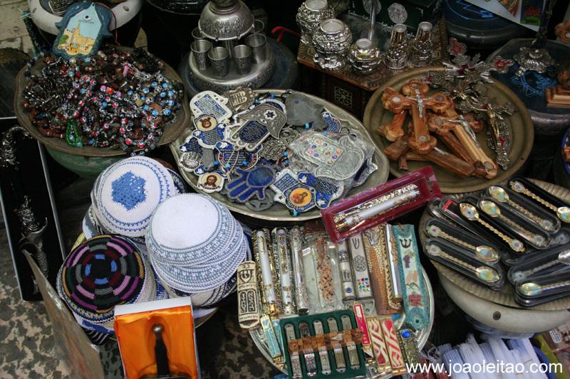 Artesanato religioso a venda em Jerusalem