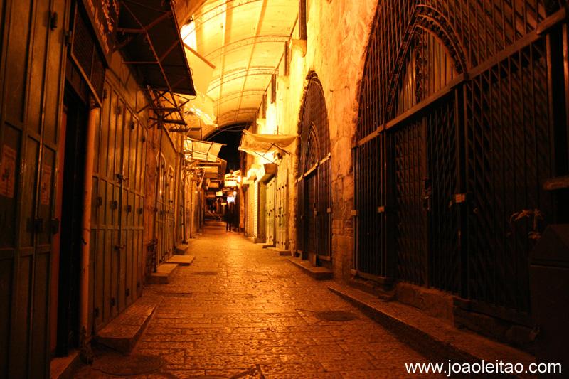 Cidade Velha de Jerusalem a noite