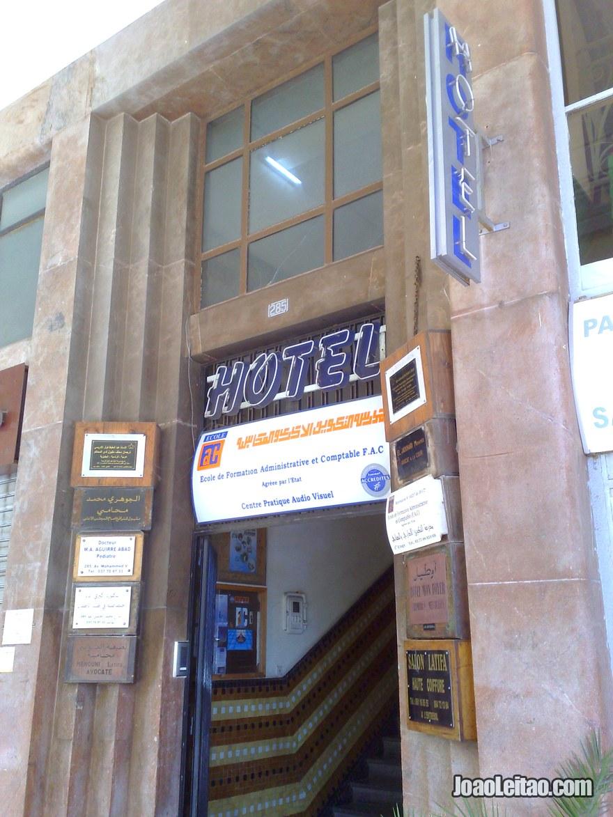 Entrada do Hotel Mon Foyer em Rabat, Marrocos