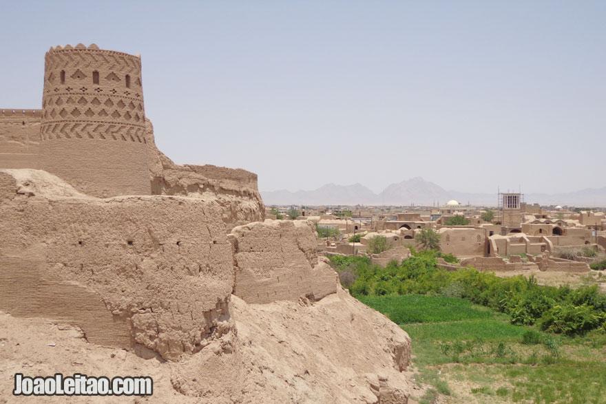 Castelo Narein em Meybod, Visitar o Irão
