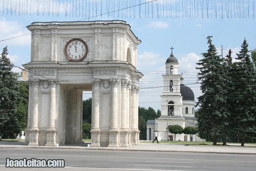 Centro de Chisinau, Visitar a Moldávia