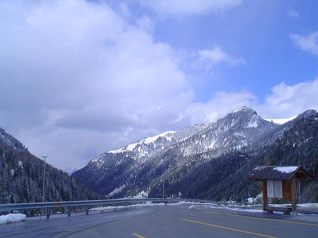 Estrada em Liechtenstein