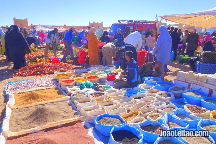 Mercado de Domingo em Ouarzazate