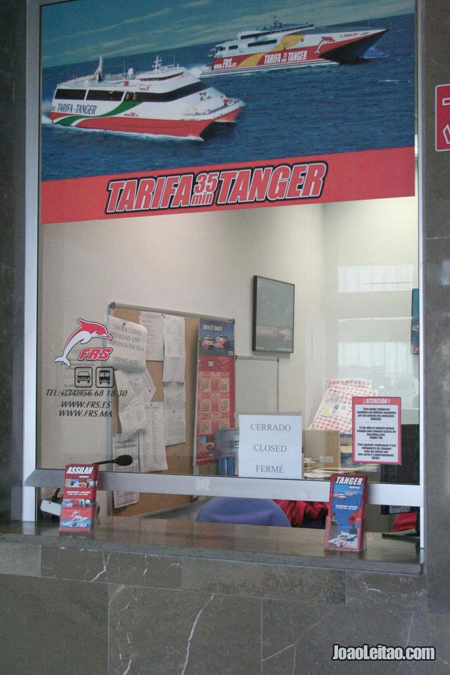 Bilheteira da empresa FRS onde se compram os bilhetes de barco para Tânger