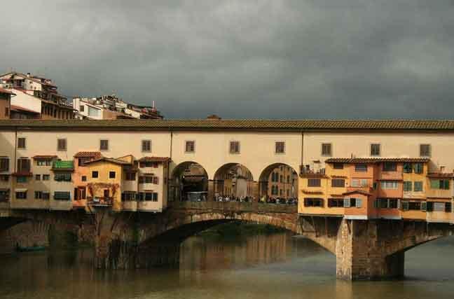 Ponte Vecchi em Florença, Itália
