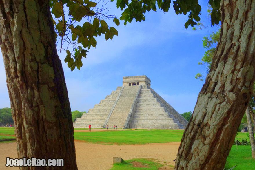 A Pirâmide de Kukulcán em Chichén Itzá no México