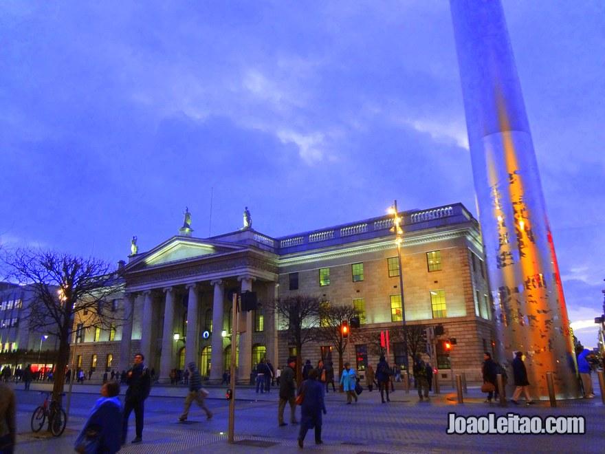 Foto do edifício Central dos Correios, o General Post Office em Dublin