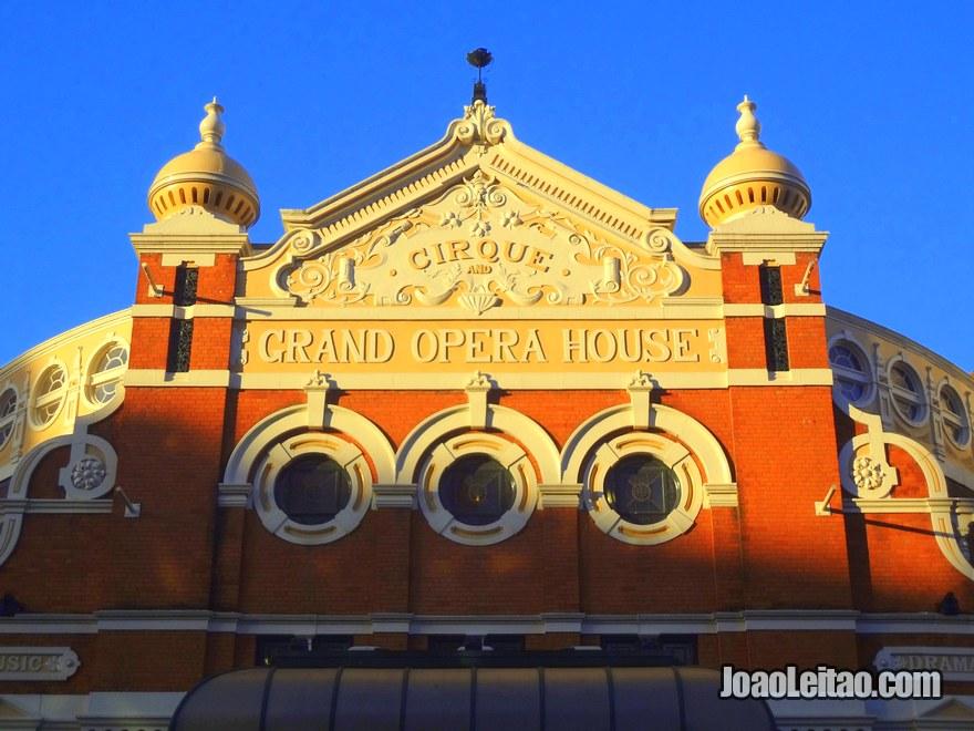 Foto de pormenor da Grand Opera House