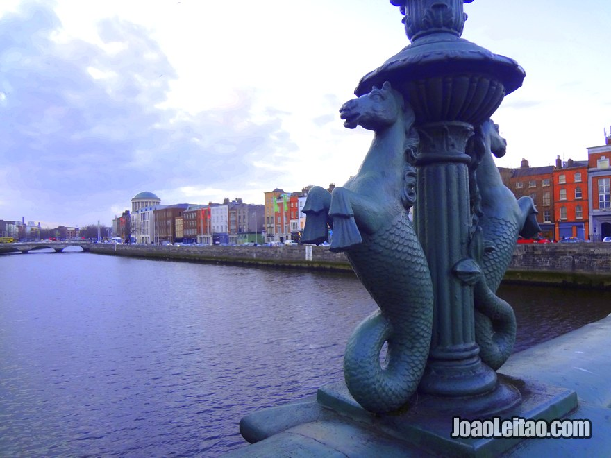 Foto da Ponte Grattan Bridge em Dublin