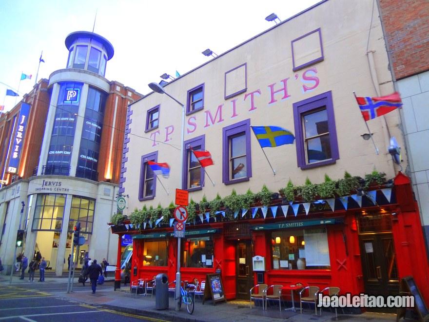 Foto do tradicional pub irlandês TP Smiths