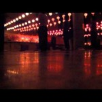 Vídeos reza budista no templo coreano em Lumbini, Nepal