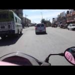 Vídeo de viagem de mota pelo centro de Pokhara, Nepal