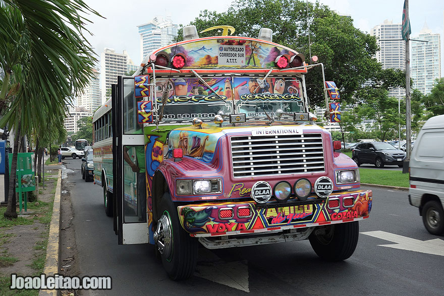 Autocarro (ônibus) panamenho, Visitar o Panamá