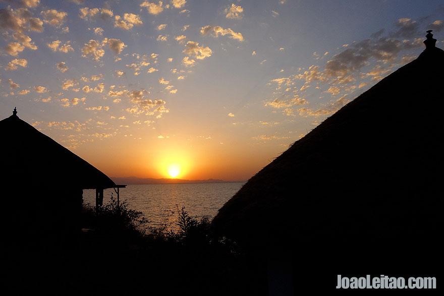 Nascer-do-sol no Lago Tana, Etiópia