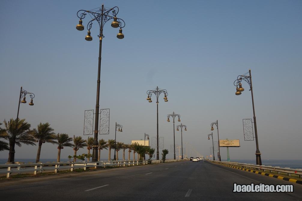 Ponte do Rei Fahd que liga a ilha do Bahrein com a Arábia Saudita