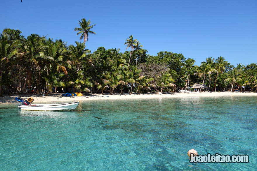 Fotografia da Ilha Leleuvia nas Fiji