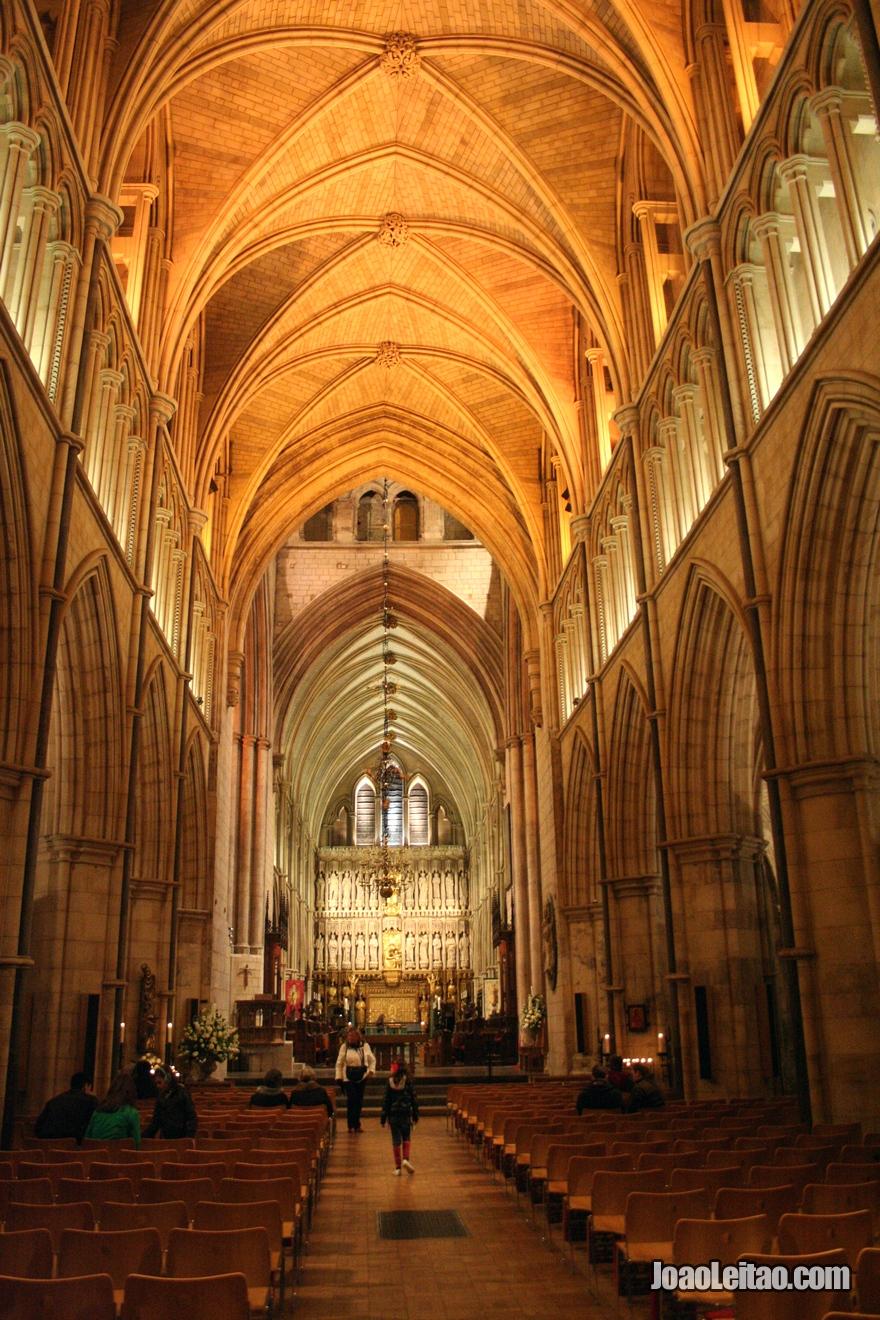 Interior da Catedral de Southwark em Londres