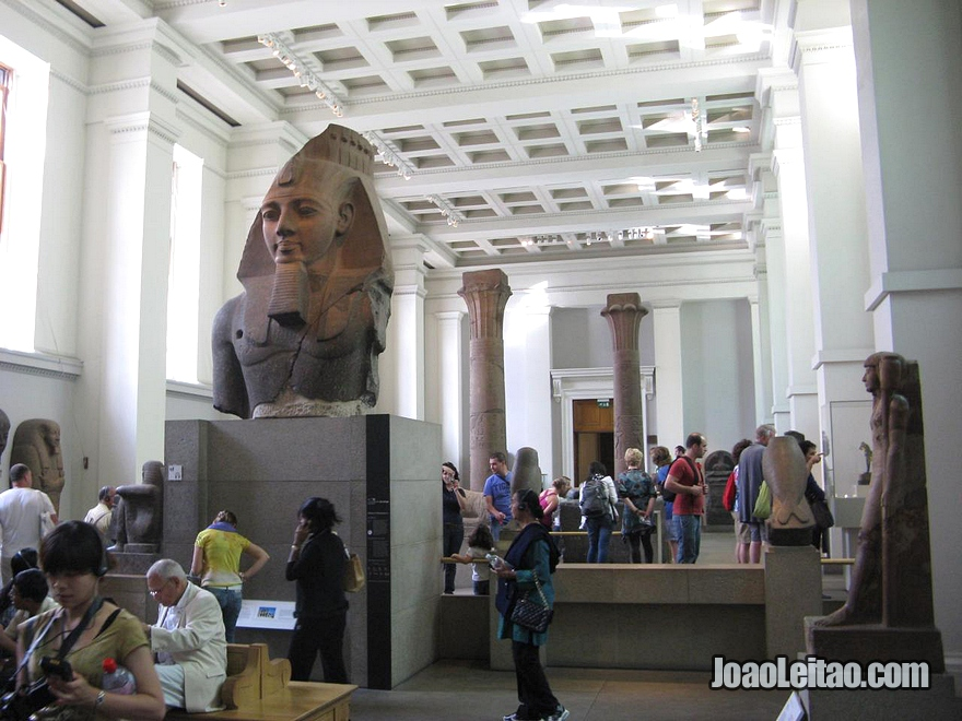 Colecção de peças do Egipto (Egito) dentro do Museu Britânico de Londres