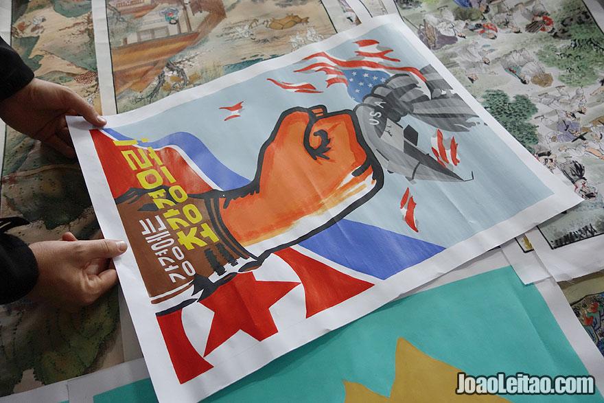 Posters políticos pintados à mão