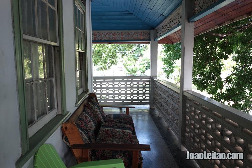 Terraço da Guest House Pearl's em Port of Spain, Trinidad