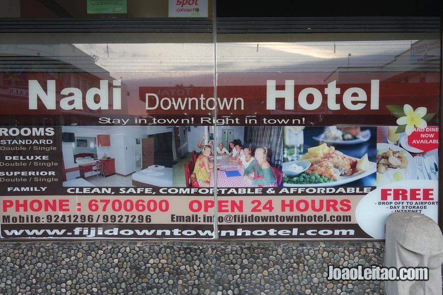 Placa do Nadi Downtown Hotel nas Ilhas Fiji