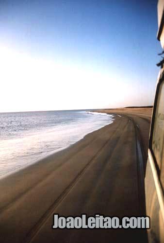 Auto-estrada (rodovia) da Praia na Mauritânia