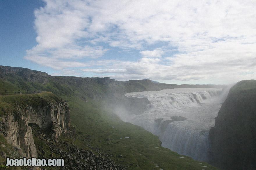 Visita à impressionante Gullfoss – a queda de água mais famosa da Islândia