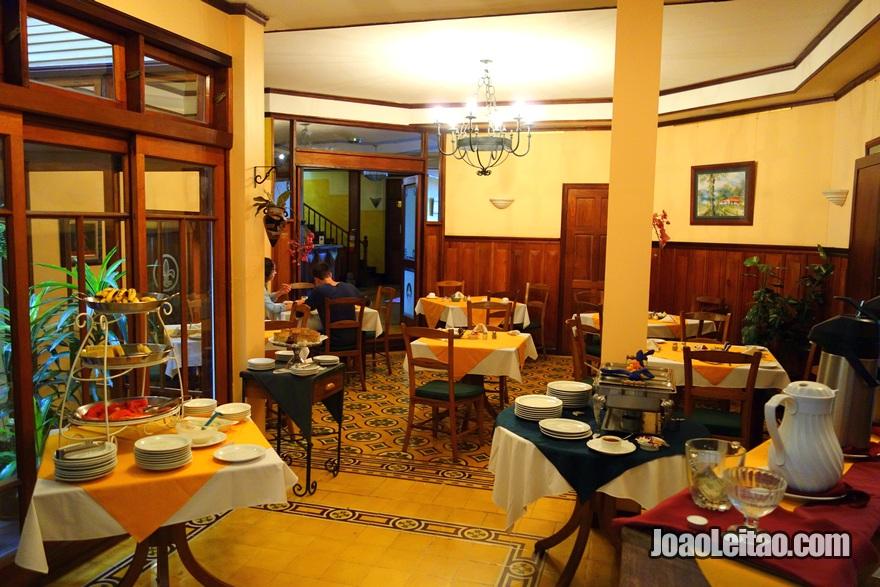 Sala de jantar do Hotel Fleur de Lys em San José, Costa Rica