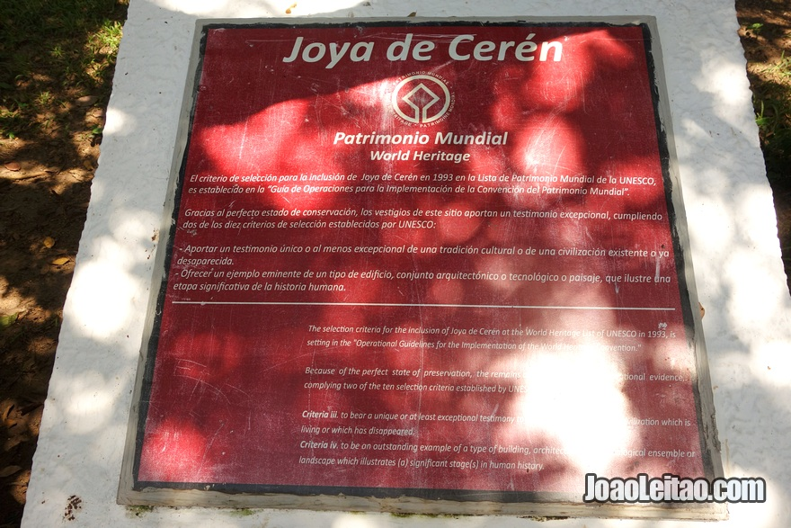 Placa UNESCO em Joya de Cerén