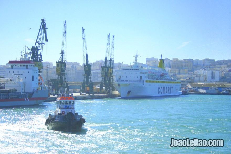Foto de Barcos no Porto de Tanger