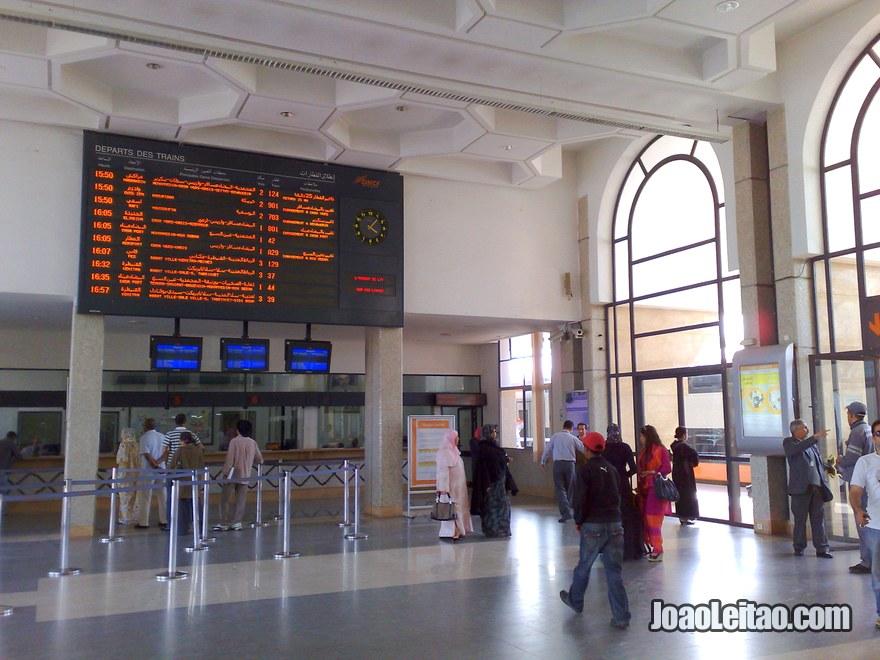 Foto da Estação de Comboio (trem) em Tanger