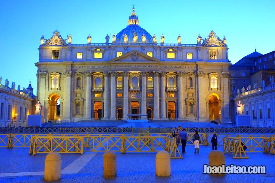 Basílica de São Pedro na Praça São Pedro no Vaticano