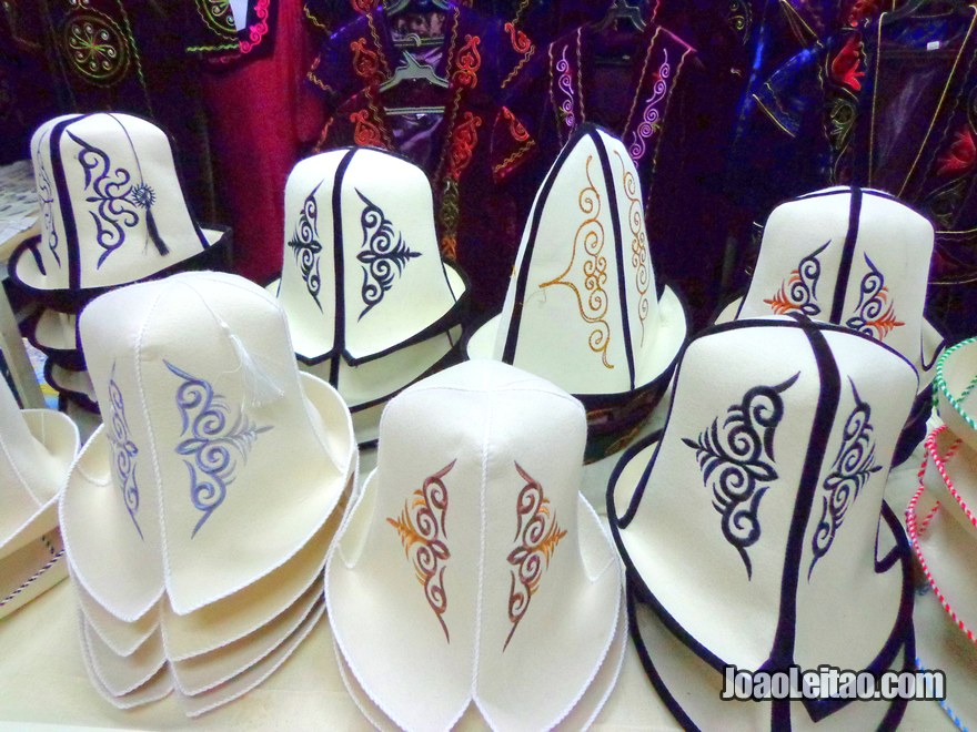 Chapéus tradicionais quiguizes