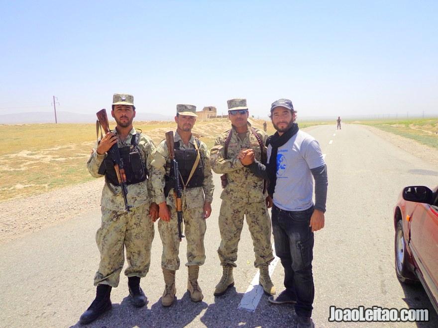 Afghan troops on the road to Kunduz