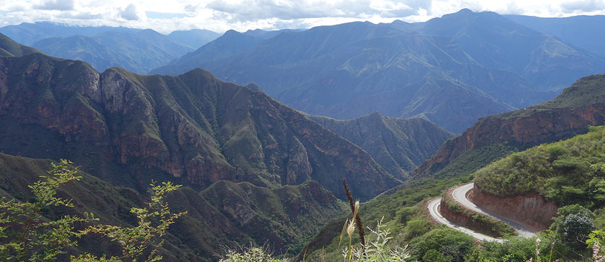 Driving Leimebamba to Cajamarca - Peru - Driving in South America
