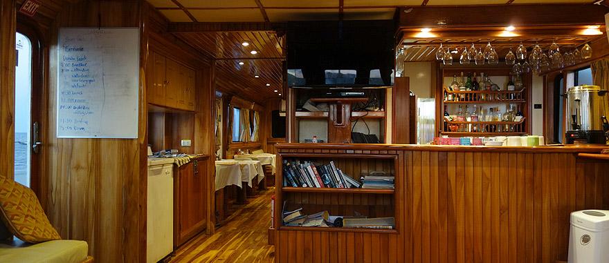 Bar do cruzeiro nas Galápagos Estrella del Mar