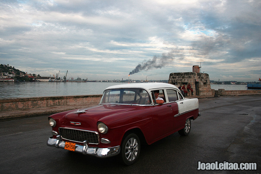 Havana road in Malecon