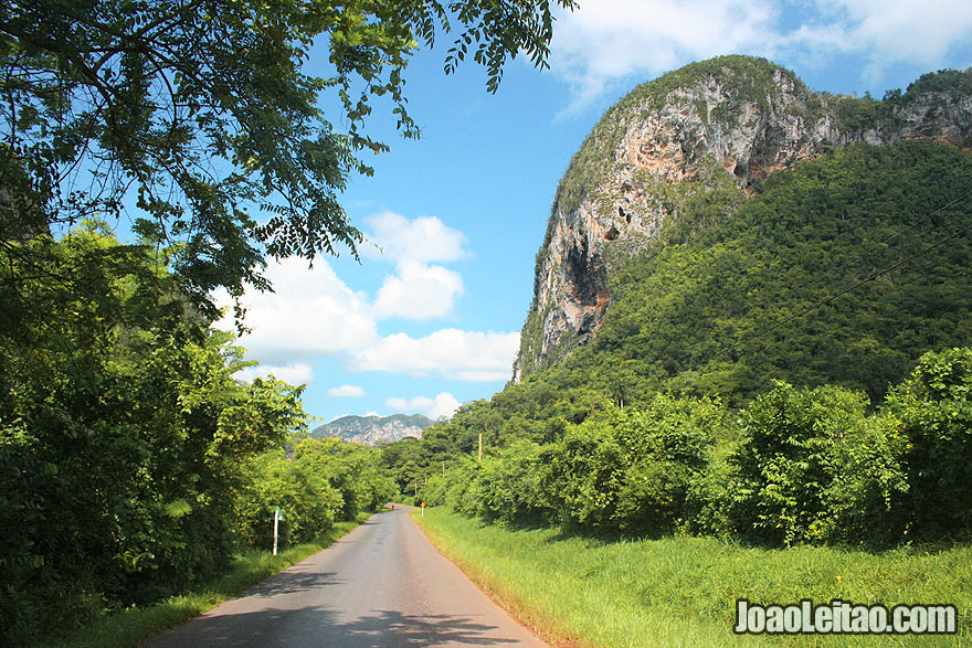 Road into Viñales National Park