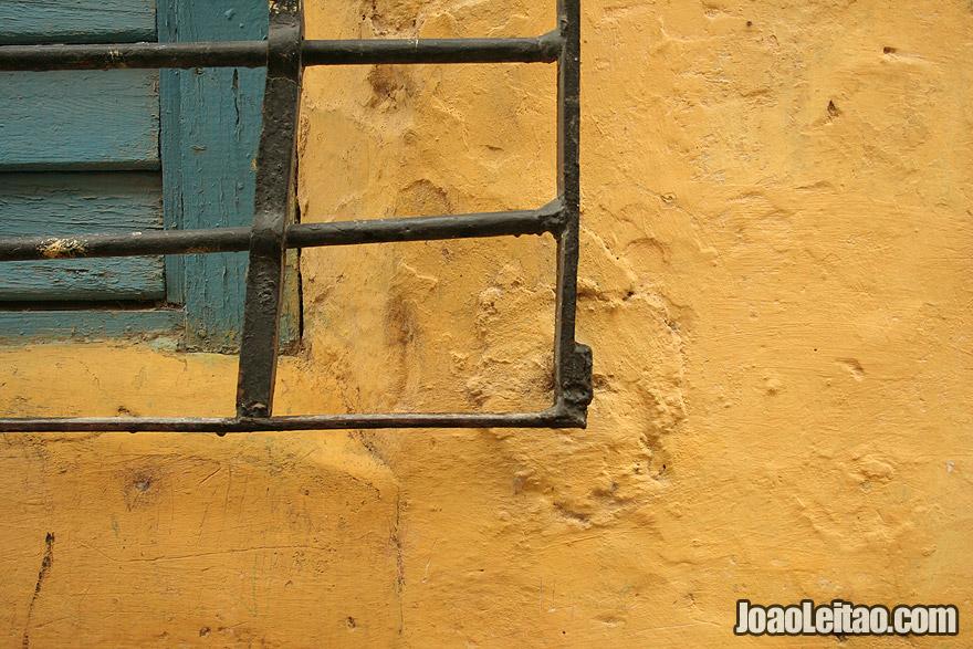 Detalhe de janela em Havana
