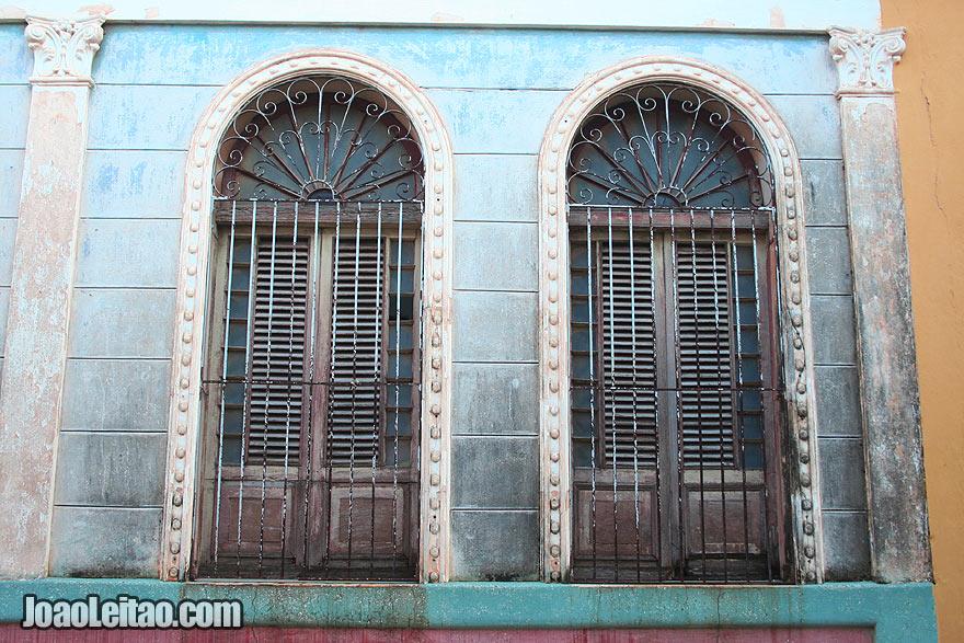 Windows in Remedios