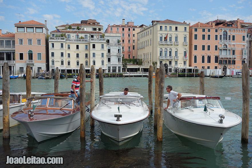 James Bond Venice look like scene