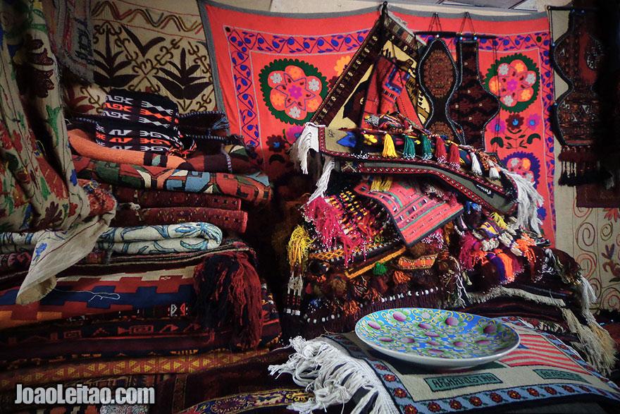 Buy carpets in Mazar-i-Sharif