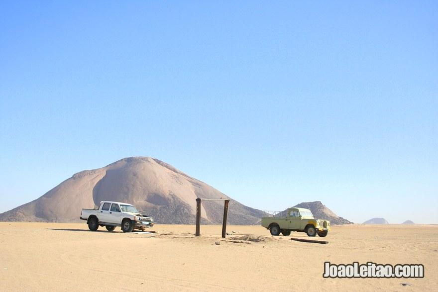 Ben Amera & Ben Aicha - Mauritania Isolated Desert Monoliths