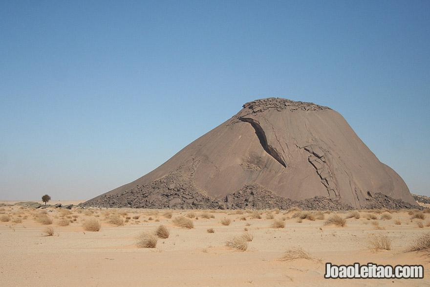 Ben Amera Monolith