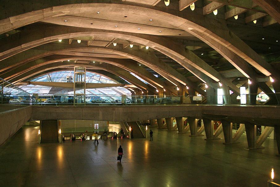 Interior da Estação de Comboios do Oriente, Parque das Nações Lisboa